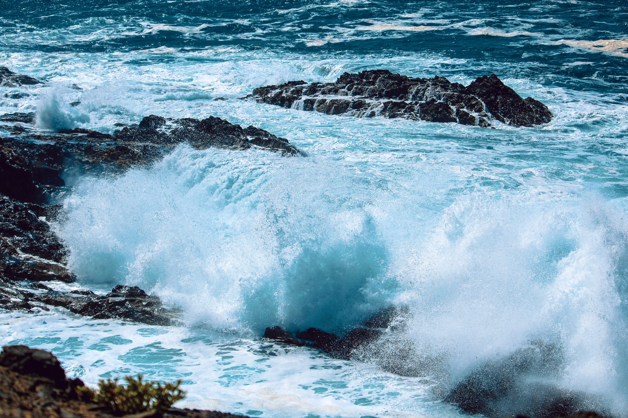 Navigating Stormy Seas: lessons from transformative leadership practices for turbulent times